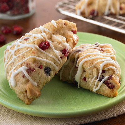 petite-white-chocolate-cranberry-scones-14583